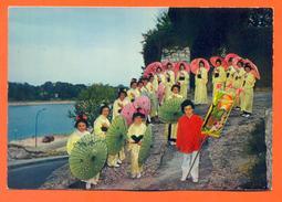 """CPSM GF Coiffy Le Haut """" Groupe Folklorique Japonais """" Fleurs De Lotus """" """" LJCP 42 - Wassy"""
