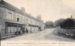 CPA 37 REIGNAC ENTREE DU BOURG CARATY HOTEL REIGNAC 1928