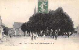 CPA 37 VEIGNE LA PLACE DE L EGLISE - France