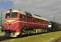 Diesel-Electric Locomotive  No.M62 001 Of MAV-TRAKCIO Zrt.(Hungarian State Railway) In Békéscsaba 2010    -  CPM - Trains