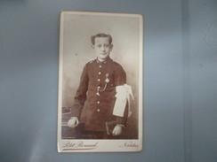 CDV COMMUNIANT GARCON  PHOTOGRAPHE PETIT RENAUD  NANTES - Oud (voor 1900)
