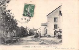 70 -  CPA  BUSSUREL Le Centre Du Village - Francia