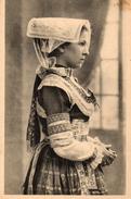 CPA EN BRETAGNE - MEDITATION - COSTUME DE PLOARE - ENVIRONS DE DOUARNENEZ - Costumes