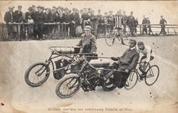 Buisson Derrière Ses Entraineurs Bataille Et Hinz (stayer) - Cyclisme