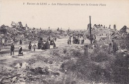 CPA Ruines De Lens, Les Pélerions Touristes Sur La Grande Place (pk34230) - Lens