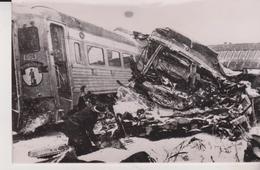 FIRE TRAINS Train Disaster SWAMPSCOTT MASSACHUSSETS  BOSTON   FIREMAN 1956   USA UNITED STATES   PHOTO DE PRESSE - Trains