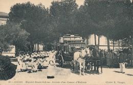 G106 - 83 - GIENS - Var - Hôpital René-Sabran - Arrivée D'un Convoi D'enfants - Frankreich