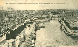 44 - NANTES - Panorama De L'Ile Feydeau Vers La Gare D'Orléans Pris Du Transbordeur BATEAUX A QUAI - Nantes