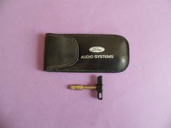 Pochette Ford  Audio Systems Avec Clé - Publicité