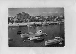 F2101 - CONCARNEAU - D29 - Le Port Et L'Eglise - Concarneau