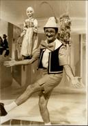 PHOTO - Photo De Presse - Télévision - ZANINI En Pinocchio - Marionnettes 1971 - AGIP - Personnes Identifiées