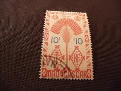 TIMBRE   MADAGASCAR    N  277     COTE  1,25  EUROS   OBLITERE - Used Stamps