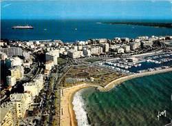 06 - CANNES - Port Pierre Canto Et Le Paquebot France. 1976 - Cannes