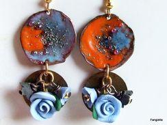 Boucles D'oreilles émaux Sur Cuivre Orange Bleu Fleurs Sequin Bronze Vieilli  Une Petite Composition Qui Vous Ira à Ravi - Earrings
