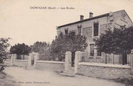 CPA Domazan (Gard), Les Ecoles (pk34269) - Autres Communes