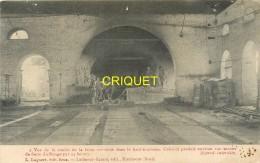 59 Hautmont, Cp Pionnière (avant 1904) Vue De La Coulée De Fonte Dans Le Haut-fourneau, Ouvriers Au Travail... - France