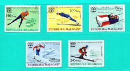 Madagascar  Nº Yvert  573/5 Y A-160/1  (USADO) - Madagascar (1960-...)