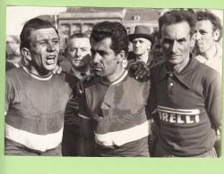 Vuelta 1957 : Valencia TORTOSA, Bruno TOGNACCINI, Nino ASSIRELLI -  CYCLISME - 2 Scans - Cycling