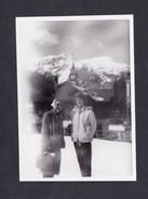 Photo Originale Suisse BE Wengen - Alpes Bernoises - Portrait Femmes En 1956 Michele Delclaux - Lieux