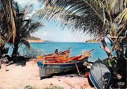972 DOM  (MARTINIQUE) Antilles Radieuses Barques De Pêche Fishing  Boats (Jean-Pierre..)  -  * PRIX FIXE - Fort De France