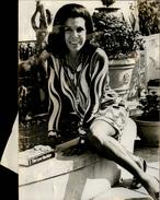 PHOTO - Photo De Presse - JACQUELINE SUSANN - Auteur De Love Machine - écrivain - 1974 - Célébrités
