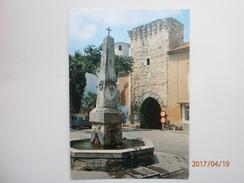 Postcard Mornas Place De La Fontaine Vaucluse  My Ref B21067 - France
