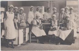 AK - Gruppenfoto Der KÖCHINNEN - Vom Erholungsheim In STRANZENDORF 1928 - Korneuburg