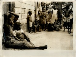 PHOTO - Photo De Presse - LUMUMBA - FOOTBALL - LEOPOLDVILLE - CONGO - Mme Lumumba - Cyclisme
