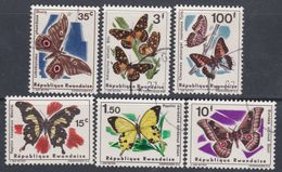 Rwanda N° 138 / 43 XX,O  Papillons Divers, Les 6  Valeurs Sans Charnière Ou Oblitérations Légères Sinon TB - Rwanda