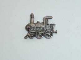 Pin's PETITE LOCOMOTIVE METAL - TGV