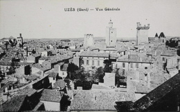 CPA - FRANCE - Uzès Est Situé Dans Le Départ. Du Gard - Vue Générale - Daté 1920 - TBE
