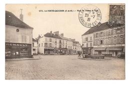 (13929-77) La Ferté Gaucher - Place De L' Hôtel De Ville - Renault - Grand Café Français - Epicerie Parisienne - La Ferte Gaucher