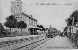 CPA De ENTRAINS-sur-NOHAIN (Nièvre) - La Gare. Edition L. Marchand. Circulée En 1905. Bon état. - France