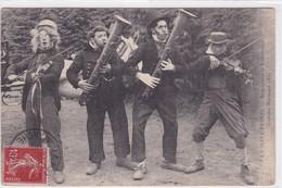La Haye-Pesnel - Serpentistes Et Violonneux - Frankreich