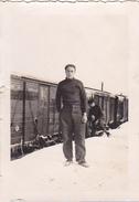 26195 Huit 8 Photo Debut Guerre Fevrier 1940 -soldat Train Wagon - Nord France Belfort -Rennes 35 Militaire
