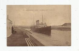 Cp , Bateaux , LA MALLE Dans L'avant Port , BOULOGNE SUR MER , Vierge - Commerce