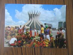 Brésil     Brasilia      La Cathédrale - Brasilia