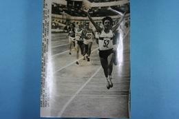 Rome Championnats D'Europe D'athlétisme 4/9/74 Tomova Remporte Le 800M /6/ - Sports
