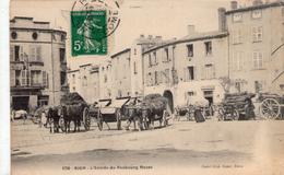 RIOM - L'entrée Du Faubourg De Mozat - BE+ - Riom