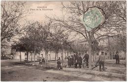 CPA VERGEZE.PLACE DE LA REPUBLIQUE - Vergèze