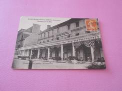 121 - CPA , ARROMANCHES LES BAINS , Terrasse Sur La Mer, Grand-Hôtel - Arromanches