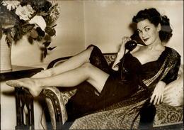 PHOTO - Photo De Presse - Acteurs - YVONNE DE CARLO - Actrice - Célébrités