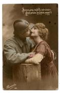 GUERRE.MILITAIRE.SOLDAT POILU.MILITARIA..casque. Couple Romantique.                                                   D2 - Guerre 1914-18