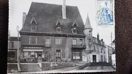 CPSM LA PECAUDIERE LOIRE LE PETIT LOVRE MAISON DU XVI E RDV DE CHASSE DE FRANCOIS 1ER  1954 MAGASIN CASINO - La Pacaudiere