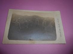 153 - Carte Photo , Front Russe, Soldats Allemand Creusant Les Tranchées, 1915 - Guerre 1914-18