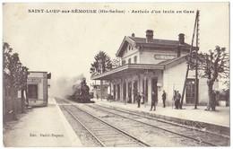 *SAINT-LOUP-SUR-SEMOUSE (70) - Arrivée D'un Train En Gare.* - France