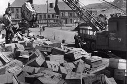 WW2 - Photo-carte - Bataille De Normandie - Déchargement De Caisses à Cherbourg - 1939-45