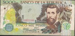 COLOMBIA  P452g   5000  PESOS   2006   FINE Folds  NO P.h. ! - Colombie