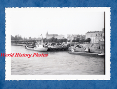 Photo Ancienne - LIBOURNE ( Gironde ) - Le Port - 1962 - Bateau à Quai - Marchandises - Péniche - Boat - Schiffe