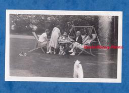 Photo Ancienne - GREENFIELD , England - Famille Autour D'une Table - 1935 - Tea Time Homme Femme Woman Boy Girl - Lieux